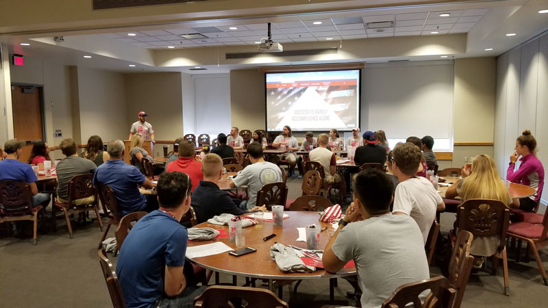 Peer mentors welcome incoming class of student veterans August 2017